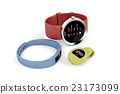 Smartwatch and activity trackers 23173099