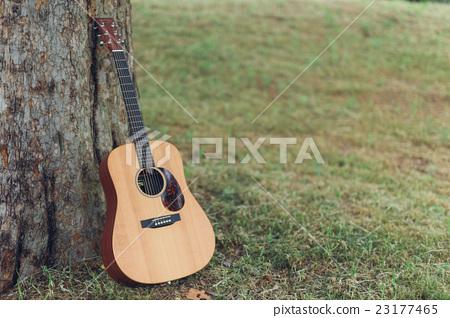 一把吉他 23177465