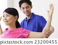 정체 스트레칭 코어 밸런스 코어 균형 스트레칭 지압사 여성 환자 남성 흰색 배경 23200455