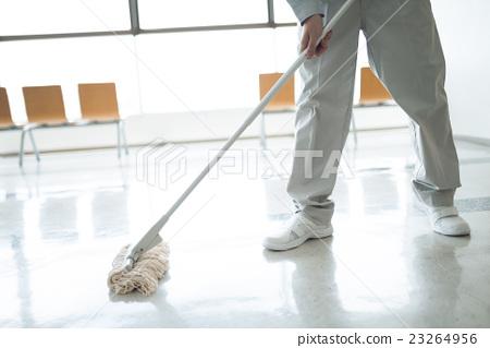 พนักงานทำความสะอาด 23264956