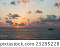 golden sunset in maldives with donhi 23295228
