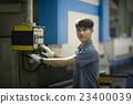Man controlling hydraulic Press brake 23400039