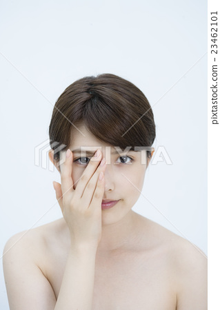 피부의 여성 미용 인물 23462101