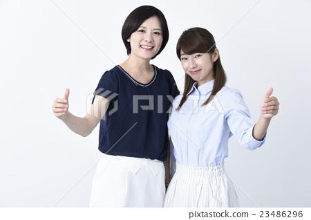비즈니스 여성 보드 소유 합성 어필 흰색 배경 23486296