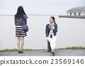 Women's sightseeing 23569146
