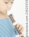 女孩 吹 端吹長笛 23620359