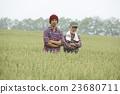 农场家庭和儿童肖像 23680711