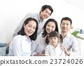 三代家庭 23724026