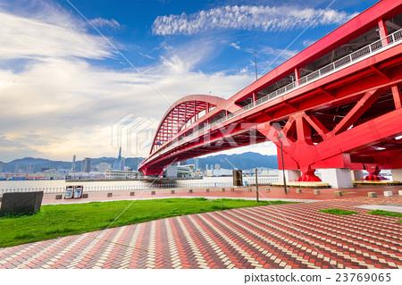 Port Island Bridge in Kobe, Japan 23769065