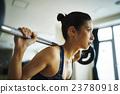 哑铃肌肉训练妇女 23780918