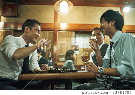 Businessman Izakaya 23781709