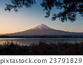 Beauty of the Mt Fuji from the lake Kawaguchi view 23791829