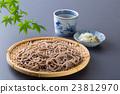 麵條 日本蕎麥麵 冷蕎麥麵裝在盤 23812970