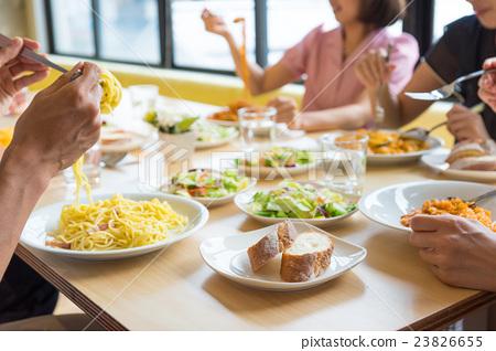 午餐 午饭 吃 23826655