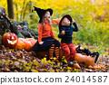 halloween kids pumpkin 24014587