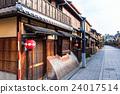 kyoto, entertainment district in kyoto, hanamikoji 24017514