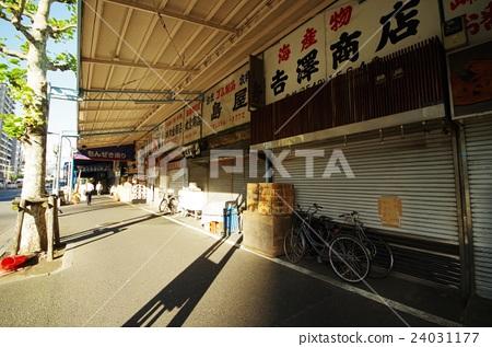Tsukiji fish market 24031177