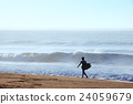 サーフィン サーファー 高波 夏のアウトドアスポーツ マリンスポーツ 24059679