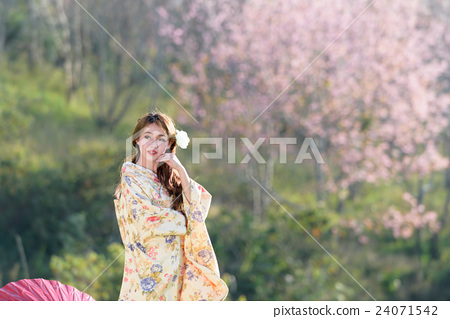 portrait of asian traditional woman 24071542