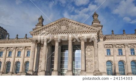 Reichstag in Berlin 24154303