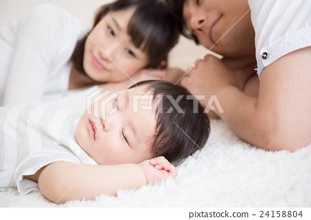 Family image 24158804