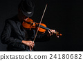 Violin player in dark studio, Musical concept 24180682
