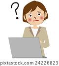 컴퓨터 앞에 베이지 색 정장 여성 하테나 24226823