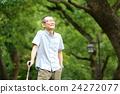 산책하는 노인 남성 24272077