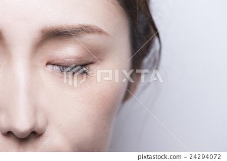 Eyelash Extension 24294072