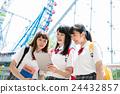 高中女生 游乐园 主题公园 24432857