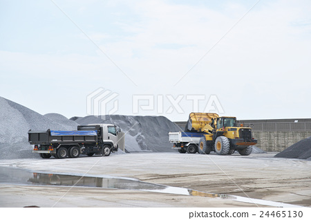 Construction site vehicle 24465130