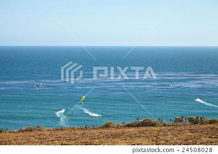 Kitesurfing in Malibu 24508028