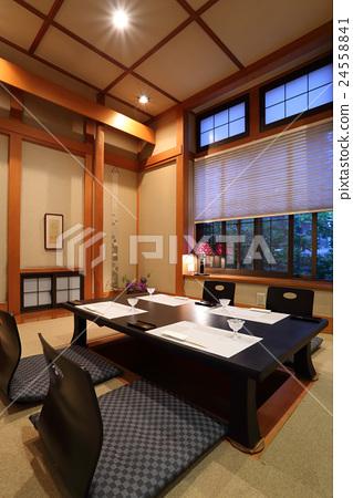 Kotei的私人房間Kotatsu Hori有4個座位 24558841