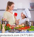 烹飪 煮菜 做飯 24771801