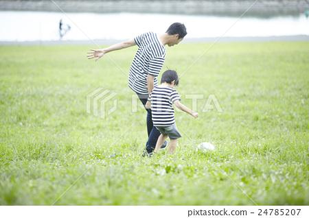 爸爸 父母和小孩 親子 24785207