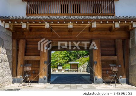 Sunpu Castle Higashiomon 24896352