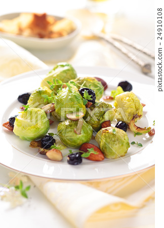 Baked Brussels sprouts. 24910108