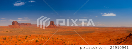 Panorama landscape - Monument Valley 24910941