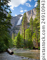 Upper Yosemite Falls, Yosemite National Park, 24910943