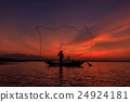 Silhouette of traditional fishermen 24924181