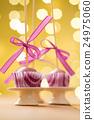 Pink cake pops 24975060