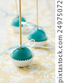 Turquoise cake pops 24975072