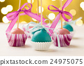 Colourful cake pops 24975075
