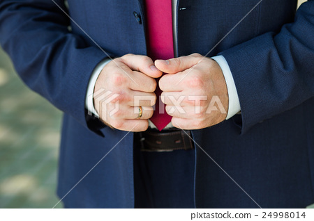Close-up of elegance male hands 24998014