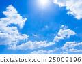 ท้องฟ้าสีครามเมฆและดวงอาทิตย์ 25009196
