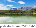 Lake in Canada 25032565