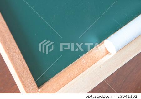 Chalk board and chalk 25041192