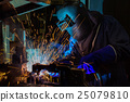 worker with protective mask welding in factory 25079810