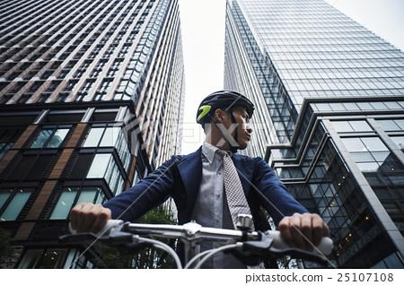 騎自行車的人 25107108