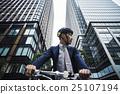 騎自行車的人 25107194